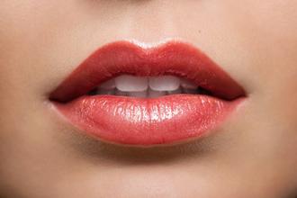 Metalle im Lippenstift und Lipgloss: Gefahr für die Gesundheit