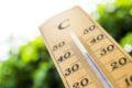 Ansteigende Temperaturen im Sommer, Hitze, schwankender Luftdruck. Vorsicht bei Bluthochdruck! Denn die Gefahr eines Herzinfarkts nimmt zu