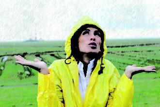 Im Herbst die Abwehrkräfte stärken und den Körper vor Regenwetter, Grippe, Husten, Schnupfen, Halsweh mit Homöopathie und Vitamin D schützen