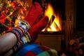 Sich nach dem Weihnachtsmahl dem Völlegefühl hinzugeben, fördert nicht die Verdauung. Hilfreicher ist es, ein wenig am Tisch sitzen zu bleiben oder in einem bequemen Sessel zu entspannen. Danach bietet Bewegung an der frischen Luft eine gute Unterstützung