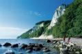 Wandern an der Ostsee: Beste Zutaten für einen erholsamen Urlaub bieten die Wanderwege auf Rügen und an der Mecklenburgischen Seenplatte.