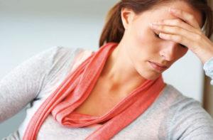 Kopfschmerzen und Depressionen sind nur zwei mögliche Symptome von Stress