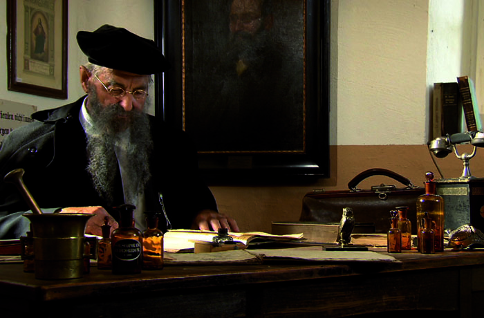 Ende des 19. Jahrhunderts entdeckte Pastor Emanuel Felke die Lehmkur für die Behandlung seiner Patienten
