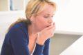 Um einem chronischen Reizhusten vorzubeugen, empfehlen Pneumologen zärtlich zu husten