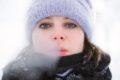 Frostige Temperaturen können Atemnot auslösen: Extrem kalte Luft reizt bei Asthma, chronischer Bronchitis oder einem überempfindlichen Atemwegssystem die Bronchien und verengt die Atemwege