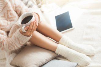 Das Restless-Legs-Syndrom erschwert für Betroffene Entspannung erheblich.