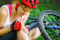 Bei Blessuren und Sportverletzungen schwören immer mehr Sportler auf homöopathische Mittel. Besonders sogenannte stumpfe Verletzungen wie Verstauchungen, Zerrungen und Prellungen gehören zu den typischen Behandlungsbereichen.