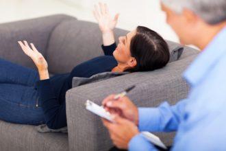 Um negative Gefühle und Angst nach einem traumatischen Erlebnis zu vergessen, müssen im Gehirn Lernprozesse ablaufen