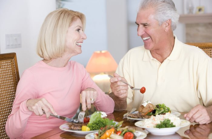 Rund 100 Billionen Bakterien leben im menschlichen Darm, die nicht nur Speisen verdauen sondern auch die Psyche beeinflussen