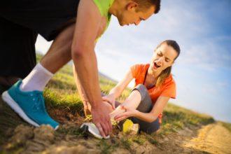 Nicht nur bei chronischen, sondern auch bei akuten Sportverletzungen kommen homöopathische Mittel zum Einsatz