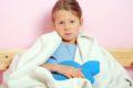 Oft sind Erkältungen oder eine Grippe Virusinfekte, bei denen Antibiotika nicht helfen. Vielmehr stehen sie im Verdacht bei Kindern Morbus Chron zu verursachen