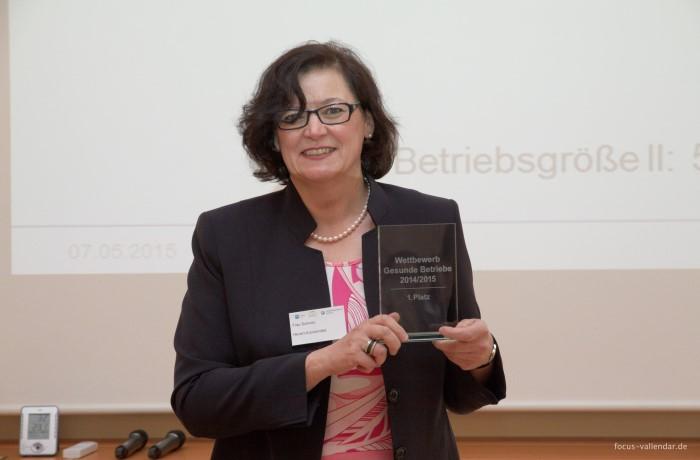"""Der erste Platz im Wettbewerb """"Gesunde Betriebe 2014/2015"""" geht für nachhaltige Gesundheitsmanagement-Aktivitäten an Hevert-Arzneimittel."""