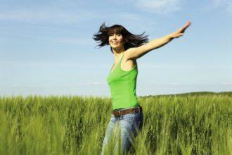 Vitamin-B-Mangel kann ein Auslöser von Haarausfall sein.