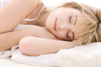 Forscher untersuchen die Wirkung von Musik bei Menschen, die unter Schlafproblemen leiden.