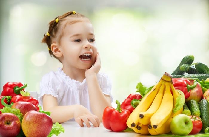 Da sie viel Fructose enthalten, sollten von Fructose-Intoleranz Betroffene beispielsweise auf Bananen und Äpfel verzichten.