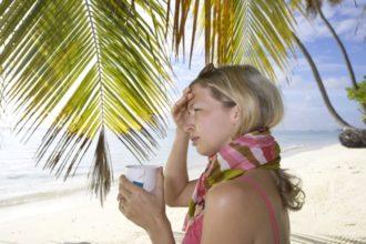 Krank im Urlaub – Die Krankheit kommt mit der Entspannung. Wie kann man die Leisure Sickness, auf Deutsch Freizeitkrankheit, bekämpfen?