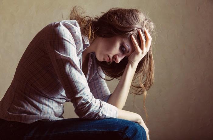 Die Krankheit Endometriose bleibt oftmals lange unerkannt, da die durch sie verursachten Schmerzen häufig mit Regelschmerzen verwechselt werden.