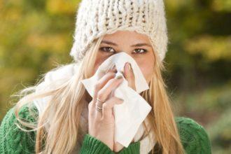 Nasennebenhöhlentzündung im Frühling: Im Zuge von Heuschnupfen kann eine chronische Sinusitis auftreten.