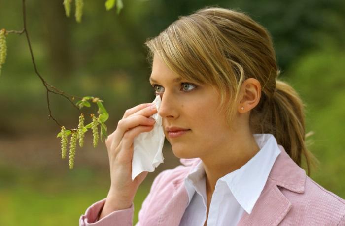 Pollenflug ist von Faktoren wie Temperatur und Witterung abhängig. Somit wird Pollenallergie auch vom Klimawandel beeinflusst.