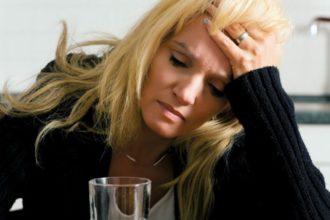 Gegen stressbedingten Spannungskopfschmerz hilft nur Entspannung.