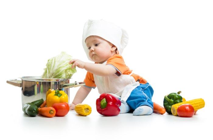 Eine ausgewogene Ernährung sollte für Babys immer dazugehören. | Bild: Oksana Kuzmina – Fotolia