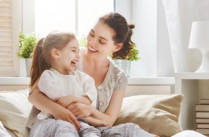 Mit homöopathischen Mitteln wie Apis oder Barium jodatum lassen sich Polypen bei Kindern behandeln.