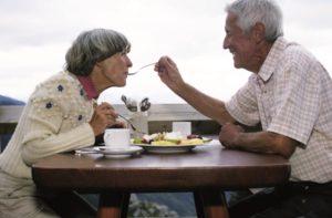 Wenn es an mehreren Vitaminen mangelt, kann dies mitunter durch die Gabe eines Vitaminkomplexes ausgeglichen werden.