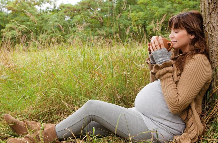Bei einer Nasennebenhöhlenentzündung helfen nicht nur Hausmittel. Auch homöopathische Mittel wie Sinusitis Hevert SL können lindernd wirken.