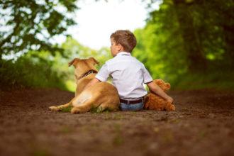 Autisten haben Schwierigkeiten, mit ihren Mitmenschen kommunizieren, da sie die emotionalen Signale ihrer Mitmenschen nicht entschlüsseln können.