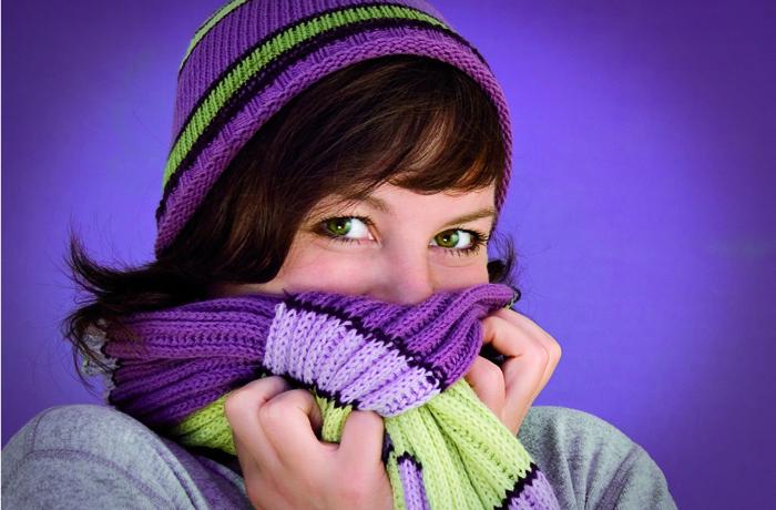 Gegen Halsschmerzen bietet die Homöopathie bewährte Einzel- und Komplexmittel.
