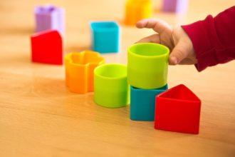 Weichmacher dienen dazu, Kunststoffe elastischer zu machen.