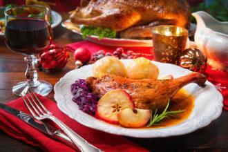 Die Weihnachtsganz und der Silvesteralkohol gehen bei manchen Leuten auf den Magen.